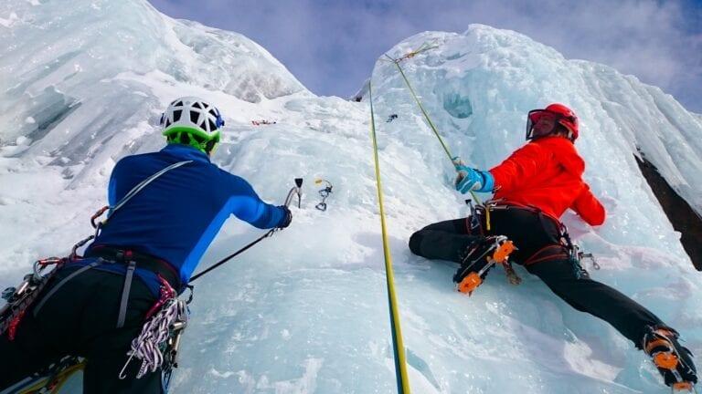 ice-climbing-1247606_1920-4.jpg